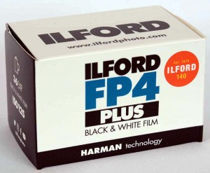 Film Ilford FP4 125/135/36  JAN 2024